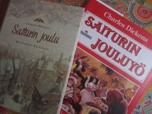 Vasemmalla Antti Aution suomentama ja P.J. Lynchin kuvittama Kirjaliton julkaisema versio, oikealla Jukka Torvisen suomennos, jonka on kustantanut Satukustannus. Jälkimmäisen on kuvittanut John Worsley.