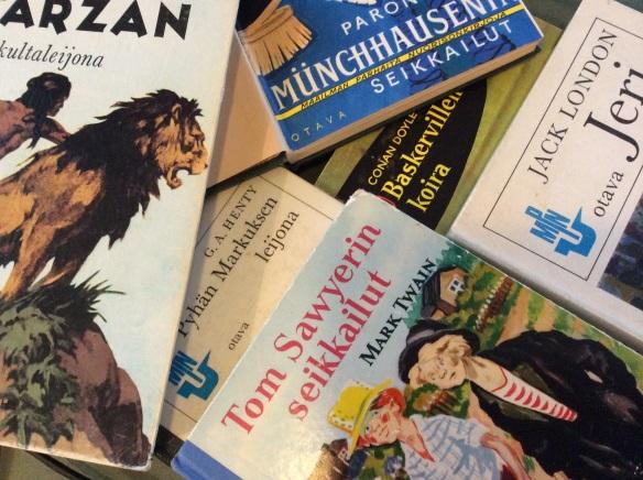 Yhtään Tiina-kirjaa ei ole hyllyssäni, nämä ovat.
