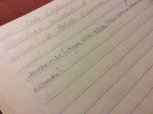 """""""Mutta onko Sinun silti aina kirjoitettava näin laajasta aiheesta?"""" kysyy äidinkielenopettaja Reetta Nieminen."""